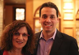 Linda Popky with best-selling author Dan Pink